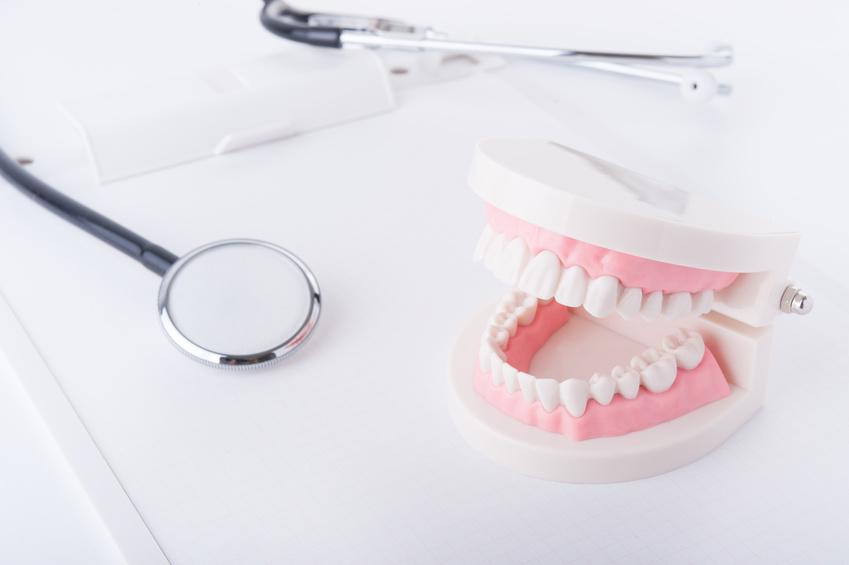 画像:歯科検診イメージ